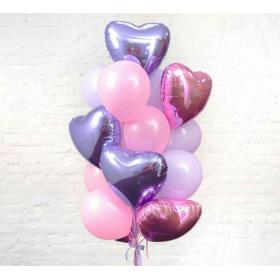 Фонтан из шаров с сердцами нежных цветов