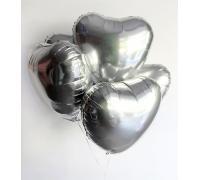 Серебряные сердца на ленте