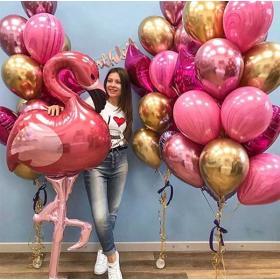 Букет из розовых шаров агатов с фигурой фламинго