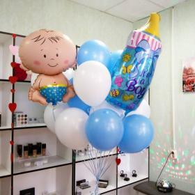 Облако шаров на выписку для мальчика с бутылочкой и младенцем
