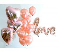 Композиция с надписью Love, сердцами и латексными шариками
