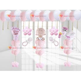 Вариант украшения розовыми шариками дома для девочки на выписку из роддома