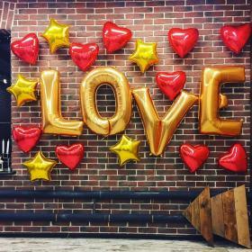 Оформление свадебной фотозоны Love